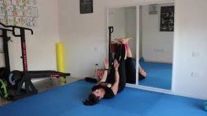 stretching catena posteriore arti per mal di schiena