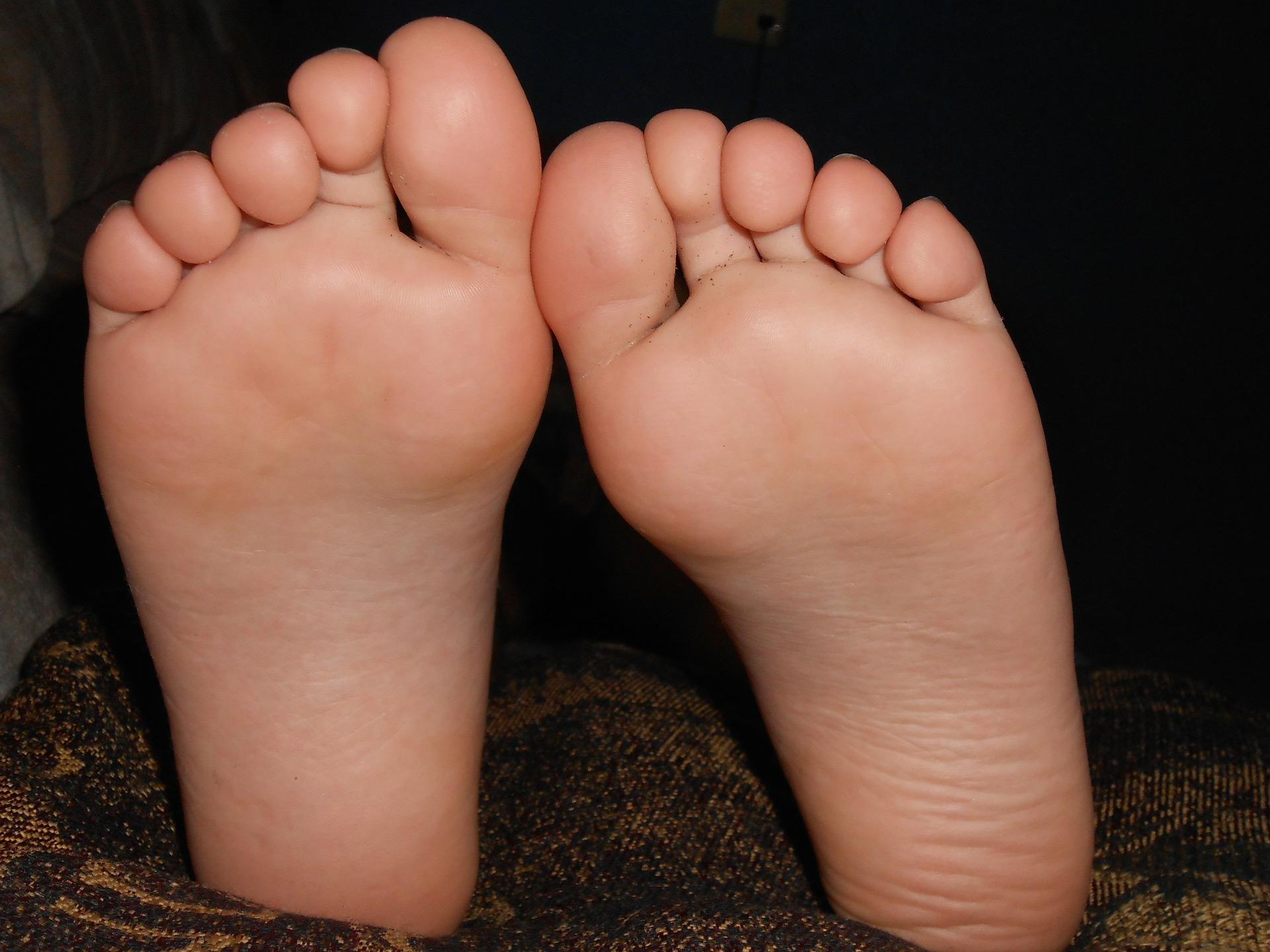 feet-179233_1920